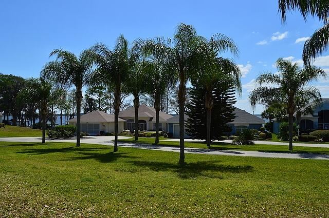 Video tour royal harbor a best place to live or retire for Best places to retire in florida