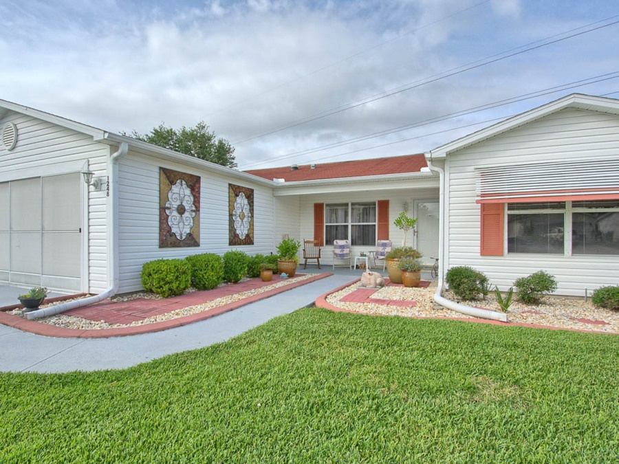 Conveniently Located Homes For Sale In The Villages Fl