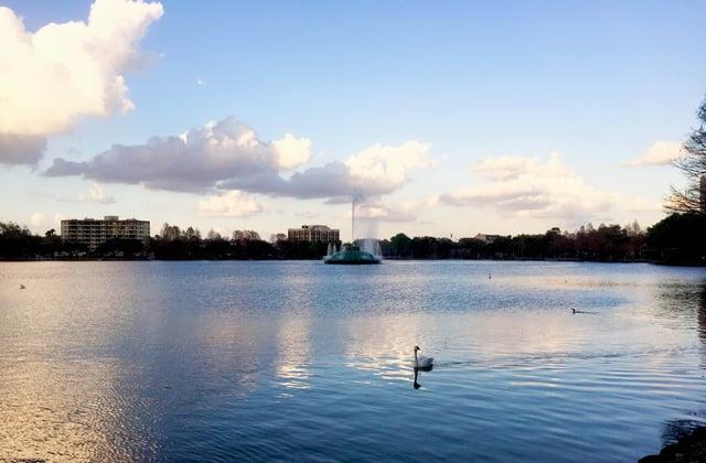 orlando_florida_lake_eola.jpg