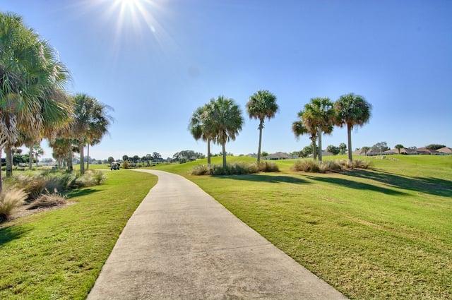 The_Villages_Florida_golf_popular_55_plus_community_in_florida.jpg