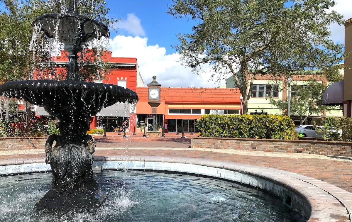 downtown sanford florida fountain